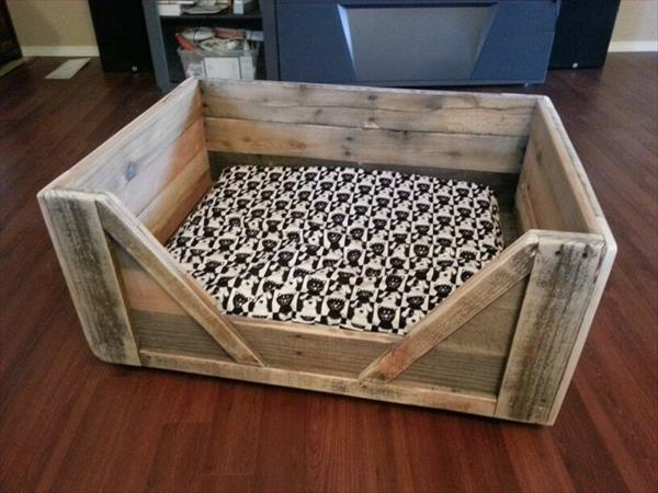 Popular 8 DIY Pallet Beds For Dogs – iHeartDogs.com HE78