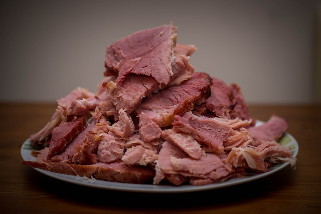 d1 meat-933095_640