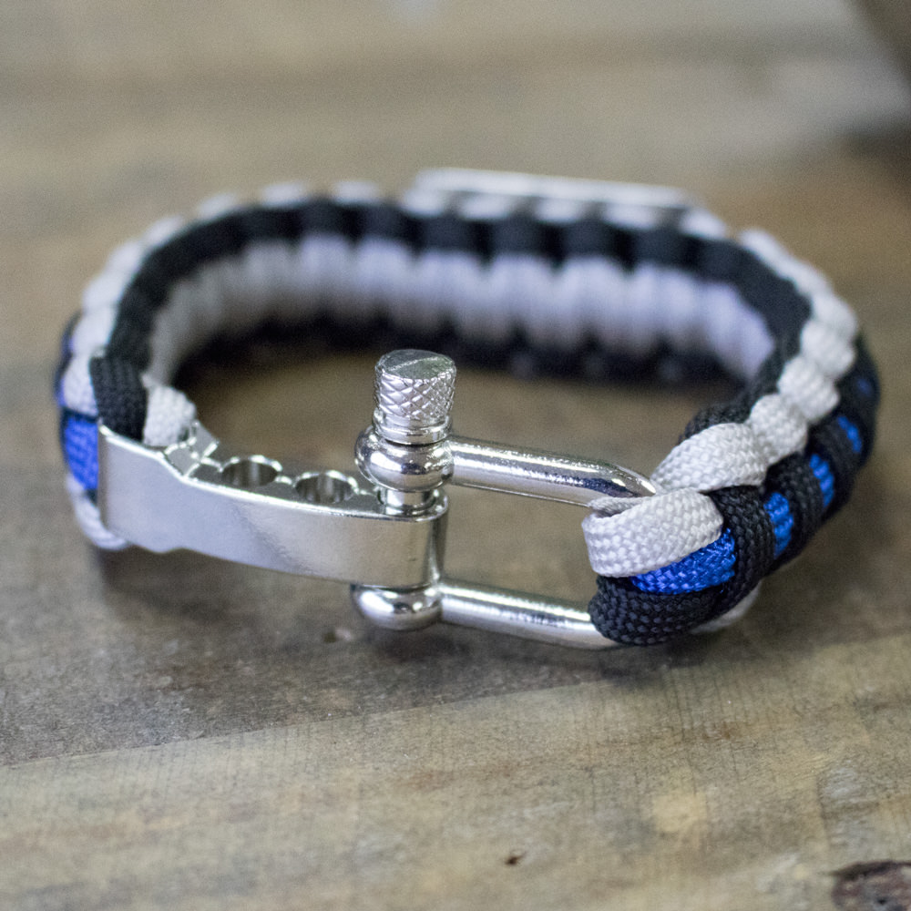 thin blue line paracord bracelet helps provide body armor. Black Bedroom Furniture Sets. Home Design Ideas