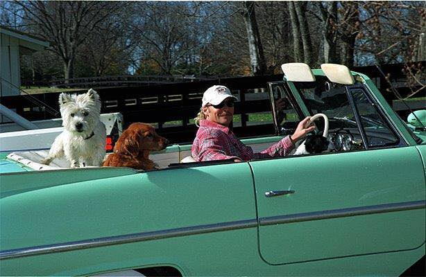 Country Crooner Says Goodbye To His Beloved Senior Dog
