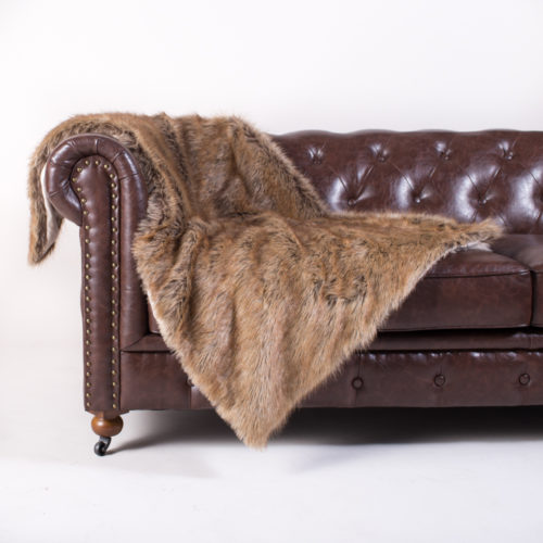 PACK&DEN Big Doggo Tawny Fox Faux Fur Throw With Odor Control + Calming Pack (MED, LRG)