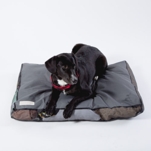 PACK&DEN Stuffable Bed That Comforts Your Dog With Your Scent