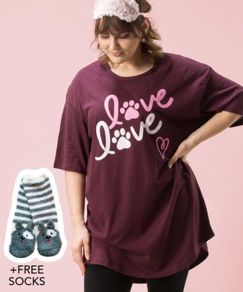 LOVE LOVE One Size Sleepshirt + FREE SOCKS