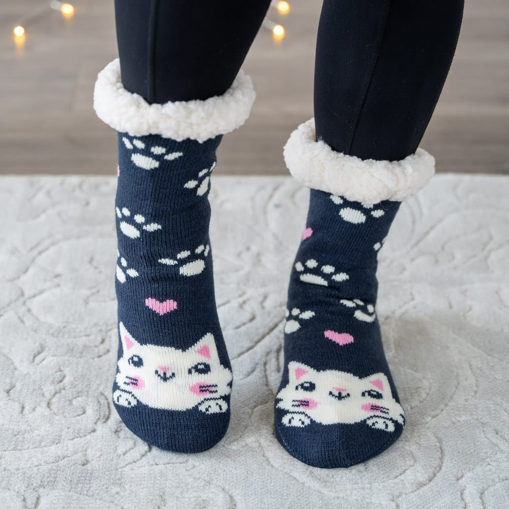 Snuggle Kitty Warm 'n Cozy Slipper Socks 🐾 Deal Over 49% Off!
