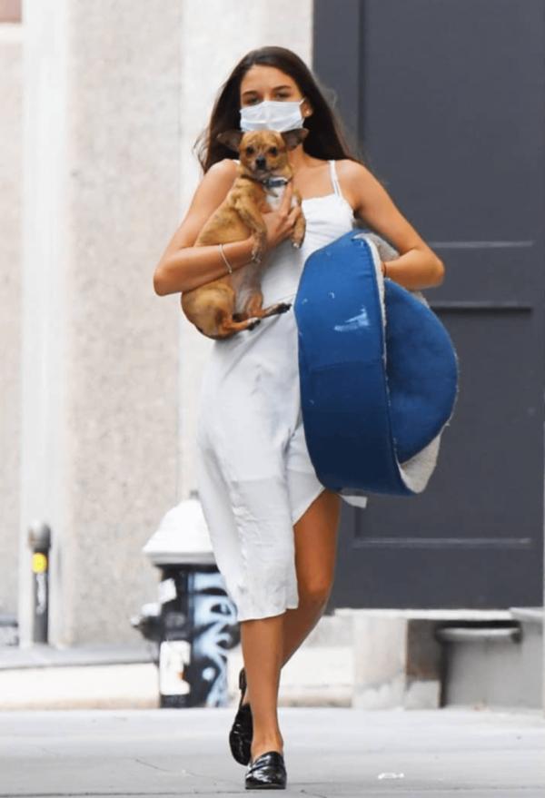 Suri Cruise Holding Dog