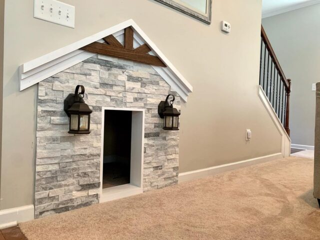 Indoor doghouse
